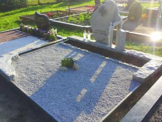 Paminklas iš suomiško granito - KURU GREI- kalviškas kryžius - Angelo skulptūra -