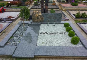Paminklinė kompozicija iš granito-granitas  OLIVIN GREY , bronzinės raidės, kaltinis kalviškas kryžius
