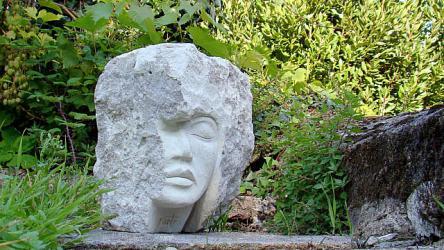 Skulptura is marmuro